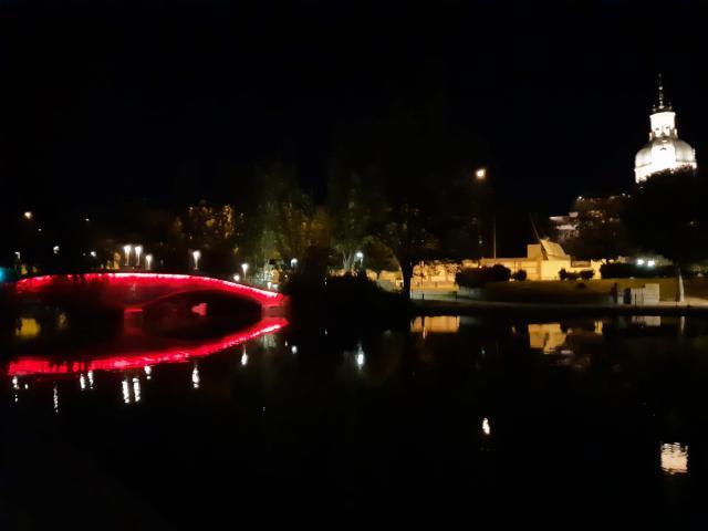 TALAVERA | Los puentes de la Alameda se iluminarán de rojo para concienciar sobre la Distrofia Muscular de Duchenne/Becker