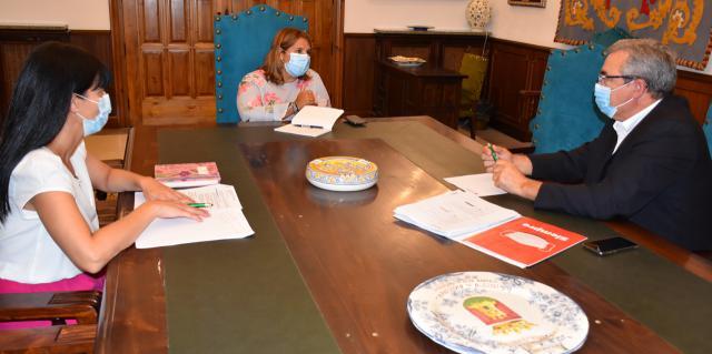TALAVERA | Encuentro de la alcaldesa con Cruz Roja