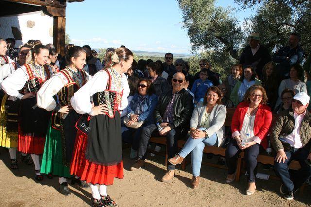 Parrillas celebra la romería en honor a la Virgen de la Fuente Santa