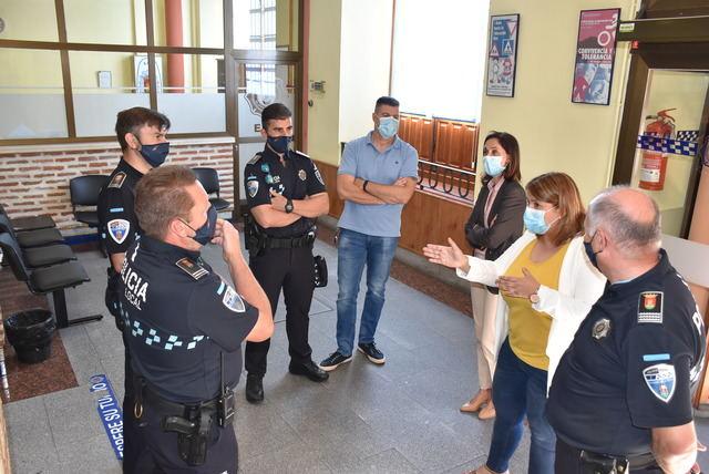 TALAVERA | La alcaldesa pone en valor el trabajo de la Policía Local durante la crisis sanitaria