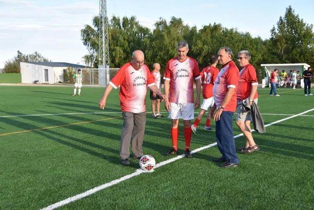 Escalona inaugura su nuevo campo de fútbol