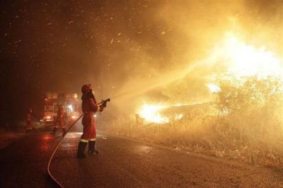 Alerta roja por propagación potencial de incendios forestales