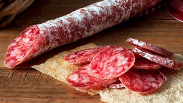 Retiran un lote de fuet español por causar salmonelosis