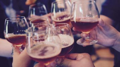 TALAVERA   Dos bares multados por no cumplir la hora de cierre: uno reincidente y otro con una comunión