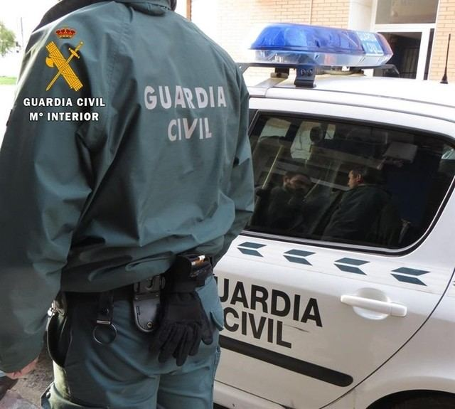 El herido de bala en Ontígola recibió un disparo disuasorio de un guardia civil al que intentó atropellar