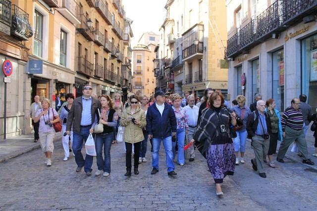 Junta estudia la petición de guías turísticos de que se exija solo un idioma para poder ejercer