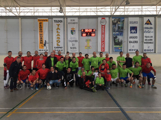 """Partido de fútbol """"V desafío solidario"""" a beneficio de Cáritas"""