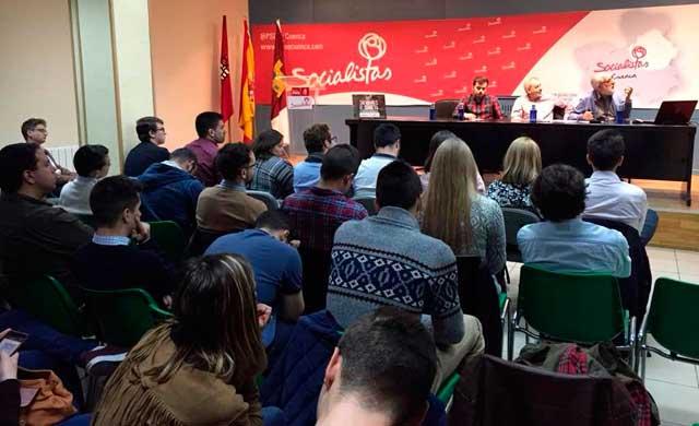 Hernando cree que la candidatura de Cospedal tiene