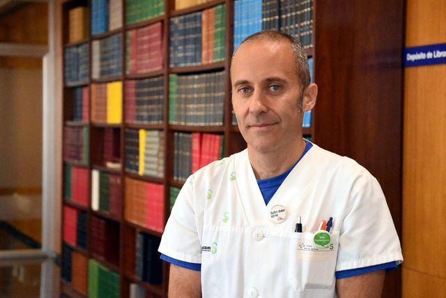 Javier Aceituno, fisioterapeuta del Hospital de Talavera, sobresaliente cum laude con su tesis