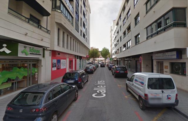 Dos personas afectadas por inhalación de humo en Albacete tras el incendio de una campana extractora
