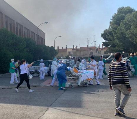 ÚLTIMA HORA | Todo el hospital evacuado: el incendio se declaró en el sótano