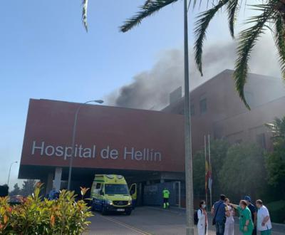 ÚLTIMA HORA | Controlado el incendio del Hospital de Hellín