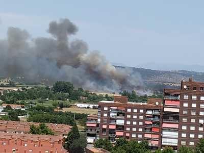 El incendio declarado entre las carreteras de Cervera y Mejorada, estabilizado y controlado