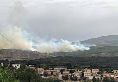 Declarado nivel 2 un incendio en Hoyocasero (Ávila)