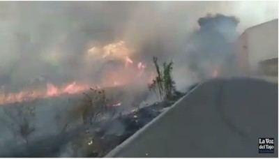 Impactantes imágenes del aparatoso incendio en Patrocinio