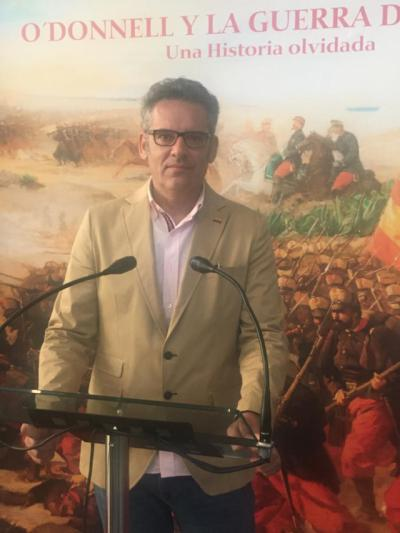 El experto en arte Javier Gallego colabora con el Ministerio de Defensa en una exposición sobre la Guerra de África