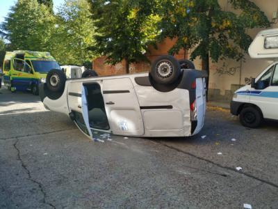 El vuelco de una furgoneta en Talavera deja heridos leves