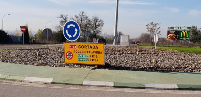 Los conductores ya sufren el corte del principal acceso a Talavera