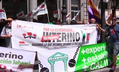 Profesores de toda España denuncian el aumento 'brutal' de interinidad