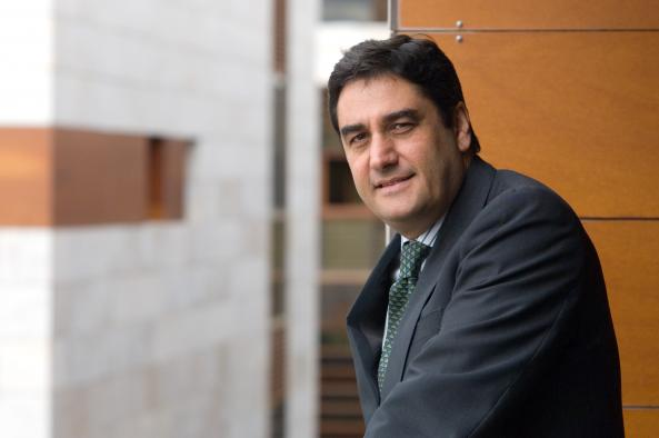 Echániz, el consejero de los recortes sanitarios de Cospedal, dice que el PSOE quiere la eutanasia para 'ahorrar muchos gastos'