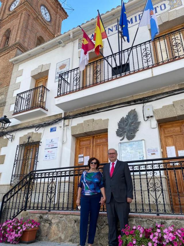 José María Gómez es nombrado hijo predilecto de Parrillas