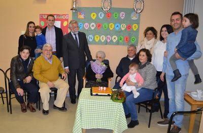 La vecina de Talavera, Aureliana García, celebra su cien cumpleaños