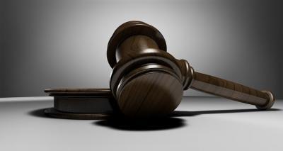 Juzgan a dos acusados de agredir sexualmente a una mujer a la que engañaron con una oferta de trabajo