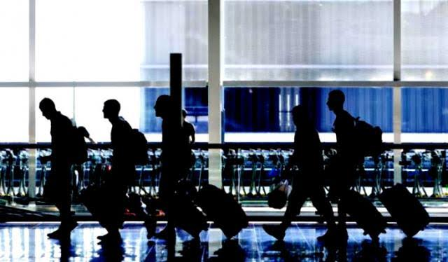 Los jóvenes españoles siguen emigrando