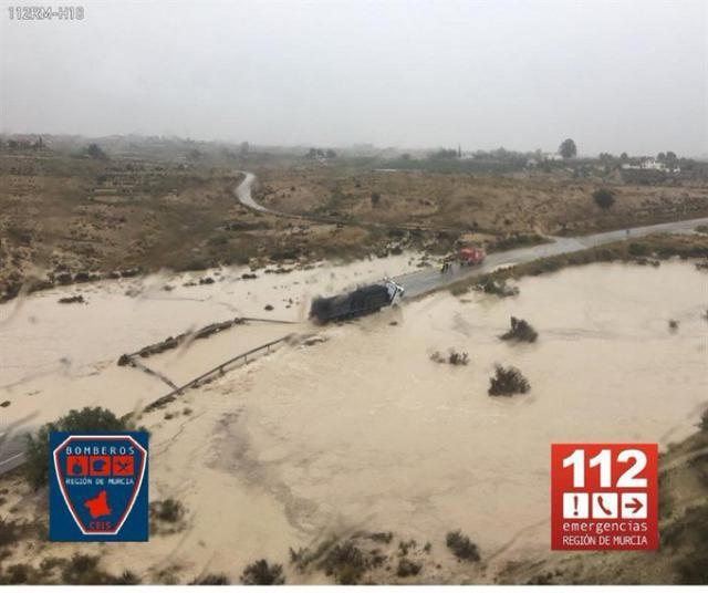 La DANA desborda el canal del trasvase Tajo-Segura en Murcia