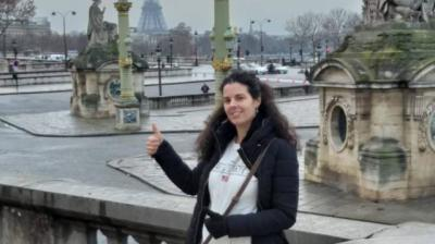 Laura Sanz en París. Foto: publicada por El País y cedida por su padre