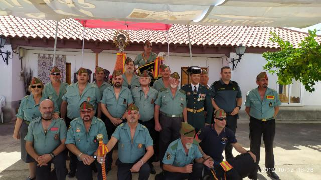 La Hermandad de Antiguos Legionarios de Talavera acompañó a la Guardia Civil de Alcaudete de la Jara