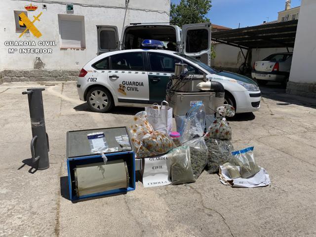 LUCILLOS | Dos detenidos por tráfico de drogas y cultivo de marihuana