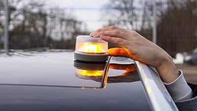 ¡Atención! Las luces de emergencia V-16 entran en vigor este jueves