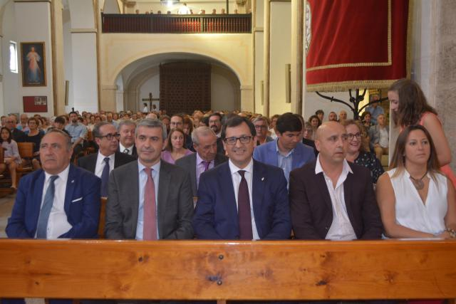 El presidente de Diputación asiste en Novés a sus fiestas patronales