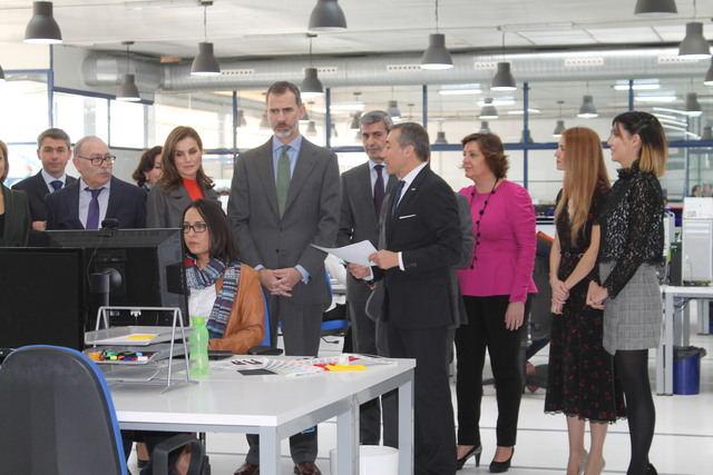 Los Reyes visitan Joma, empresa toledana que lleva 50 años generando riqueza, empleo e innovando