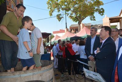 Gran afluencia de público en la Feria Medieval del Vino de Montearagón