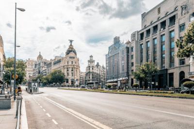 ÚLTIMA HORA | Madrid planea pedir al Gobierno el toque de queda