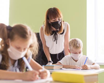 COVID-19 | Piden a la Junta concretar el calendario de vacunación de los docentes