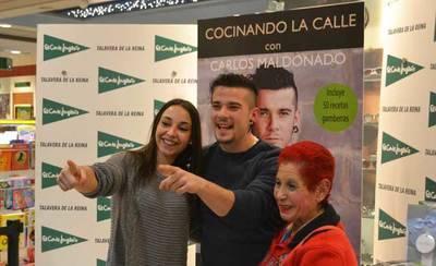 Carlos Maldonado firmó su nuevo libro en el Corte Inglés