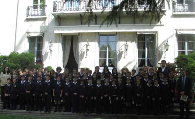 Alumnos del Colegio Maristas visitan la residencia del embajador francés en España