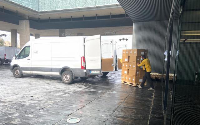 COVID-19 | CLM sigue repartiendo artículos de protección para el personal sanitario