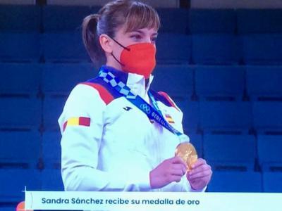 Sandra Sánchez recibe su merecida medalla de oro