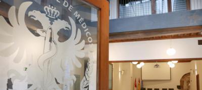 Natividad Latín gana las elecciones al Colegio de Médicos