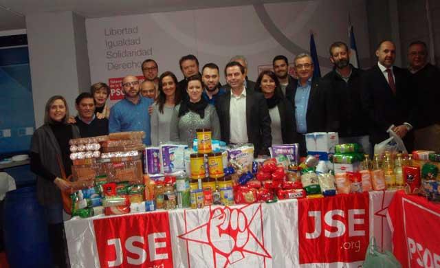 Las migas solidarias del PSOE recogen más de 500 kg de alimentos