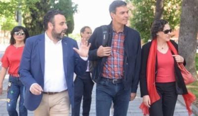 Militantes de PSOE de Azuqueca piden a su alcalde que no dispute la Secretaría regional a Page