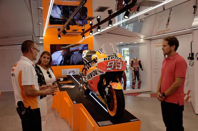 La moto de Marc Márquez ya se puede ver en Talavera