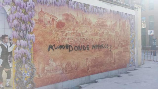 El vandalismo se ceba con el nuevo mural cerámico de Talavera