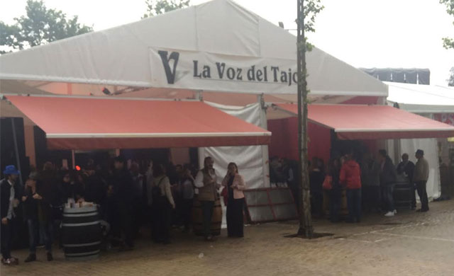 La Feria ha comenzado en la caseta de La Voz del Tajo ¿Te vienes?