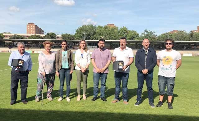 La Asociación Adelante y el CF Talavera recaudan 600 euros contra la ELA