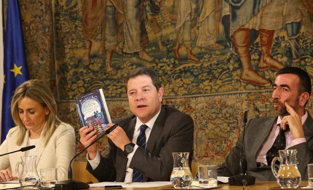 Page presenta el libro de Carmona sobre mitos de la cultura judía